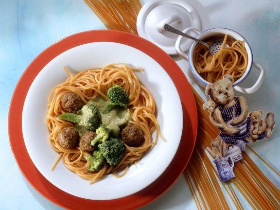 Tomato Spaghetti with Meatballs and Broccoli