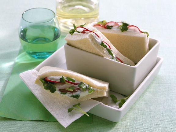 Tramezzini Sandwiches with Radish Quark