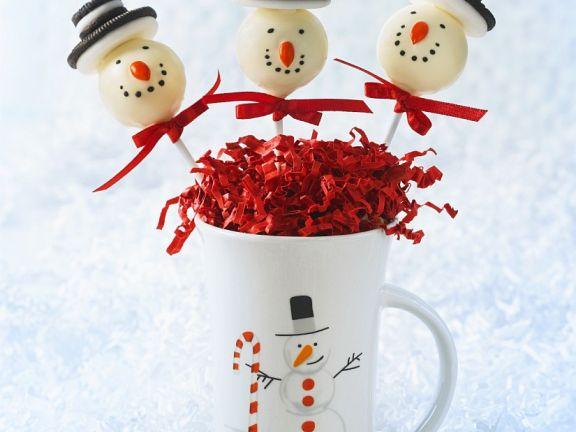Vanilla Snowman Cake Pops