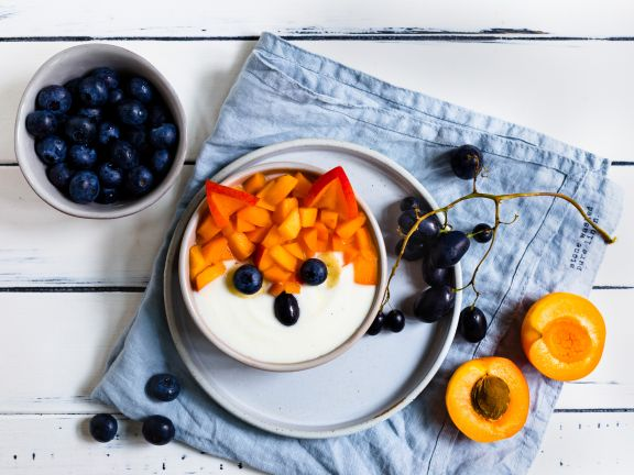 Vanilla Yogurt Bowl with Apricots
