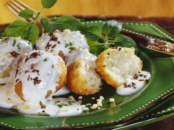 Lentil Balls with Yogurt Sauce