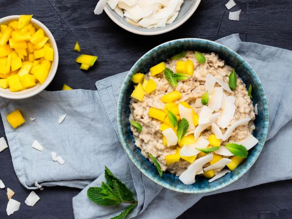 Vegan Oat Cereal with Mango and Coconut