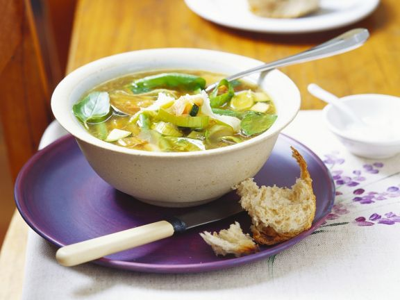Vegetable Soup with Leeks and Zucchini