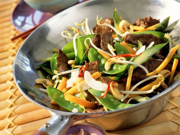 Venison Stir-fry with Ginger, Chiles and Vegetables