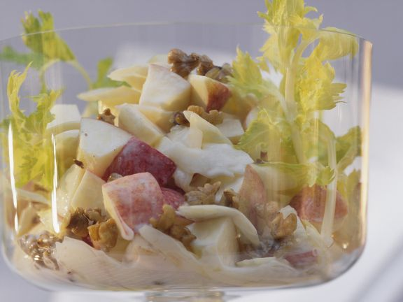 Classic Apple and Walnut Salad