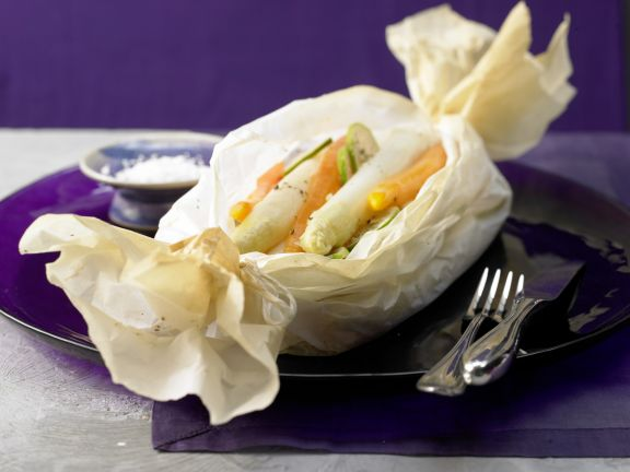 White Asparagus in Parchment
