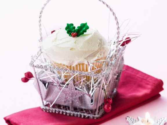 White Chocolate and Cranberry Festive Cupcakes
