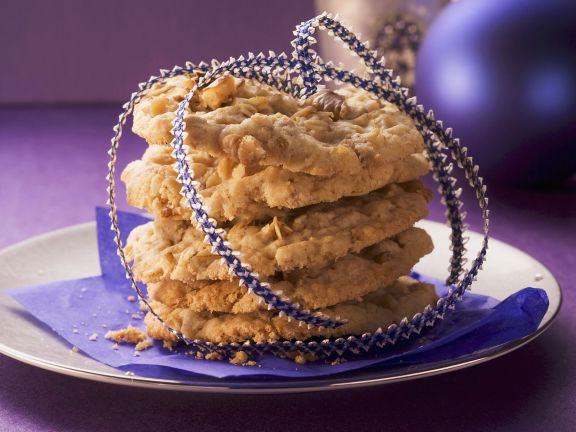 White Chocolate and Walnut Cookies