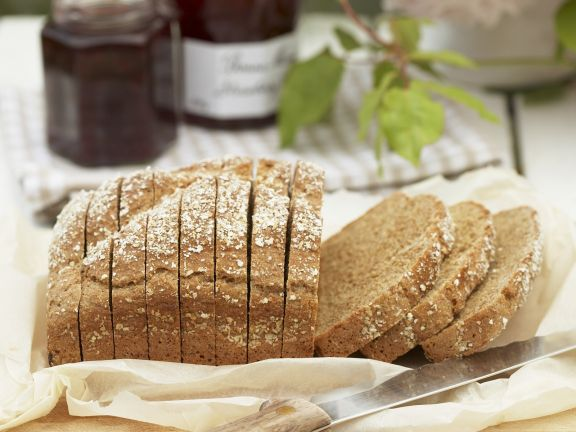 Whole Wheat Bread with Sunflower Seeds and Oats