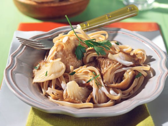 Whole Wheat Pasta with Oyster Mushrooms