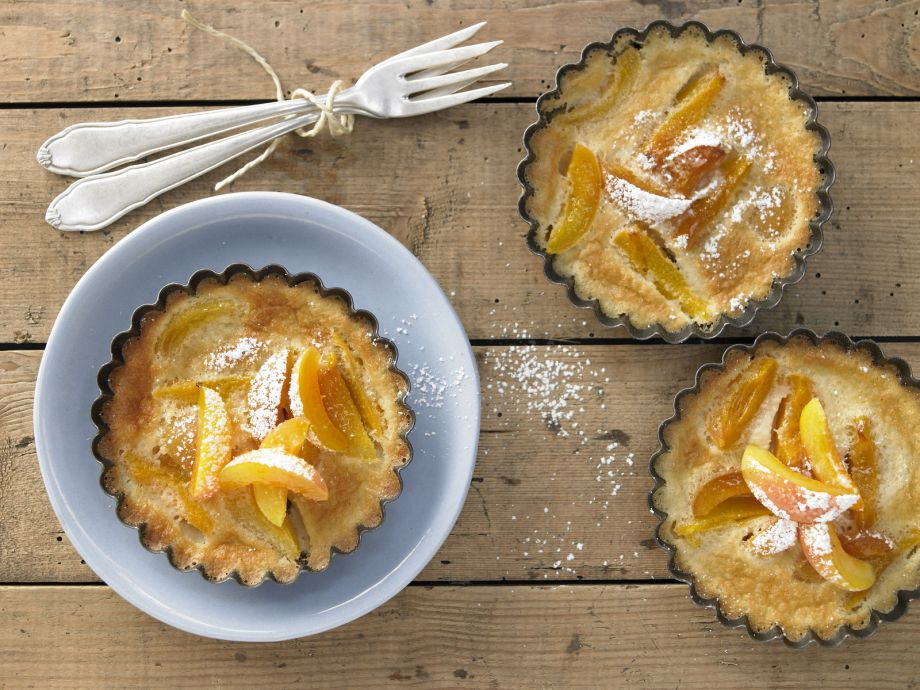 Apricot Tartlets - Apricot Tartlets - Seductively fragrant and easy - in the French style