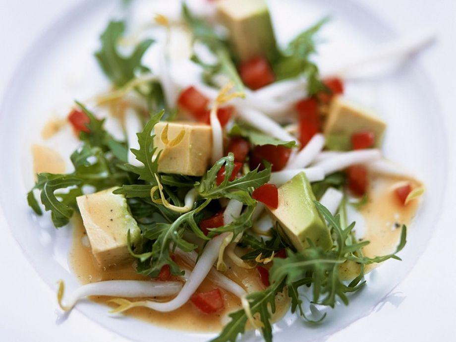 Arugula and Avocado salad with Tomato Dressing