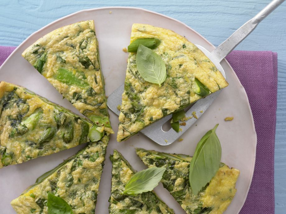 Asparagus and Basil Omelette - Asparagus and Basil Omelette - Spring egg dish perfect for your next brunch