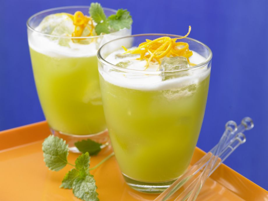 Asparagus and Melon Juice Cocktail - Asparagus and Melon Juice Cocktail - This delicate combination of flavors is unusually tasty
