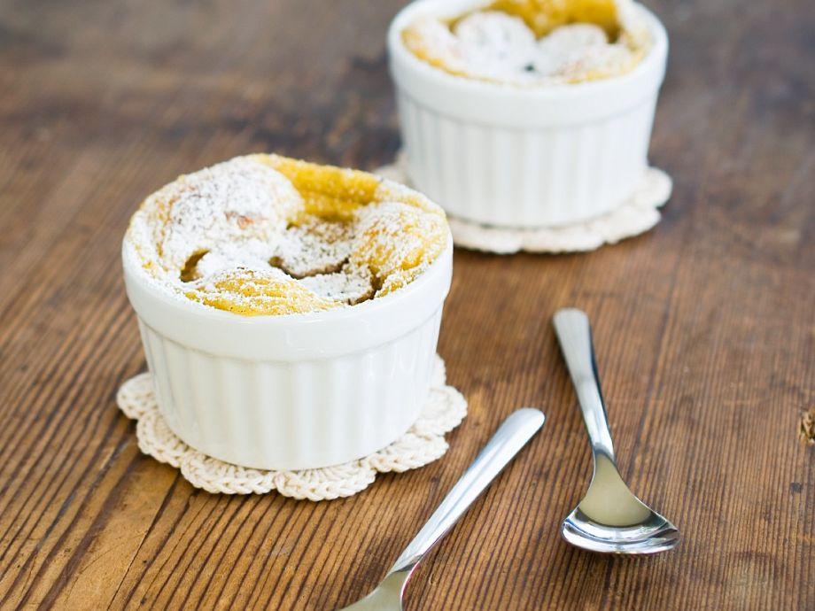 Baked fruit diabetic puddings