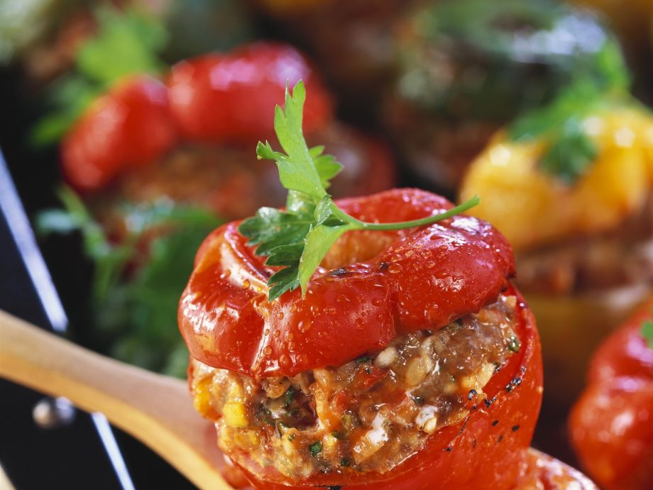 Baked peppers with filling