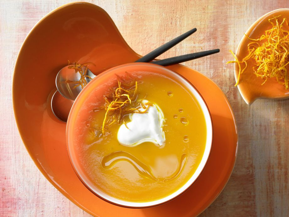 Carrot and Ginger Soup - Carrot and Ginger Soup - A creamy soup with aromatic spices and a fruity note