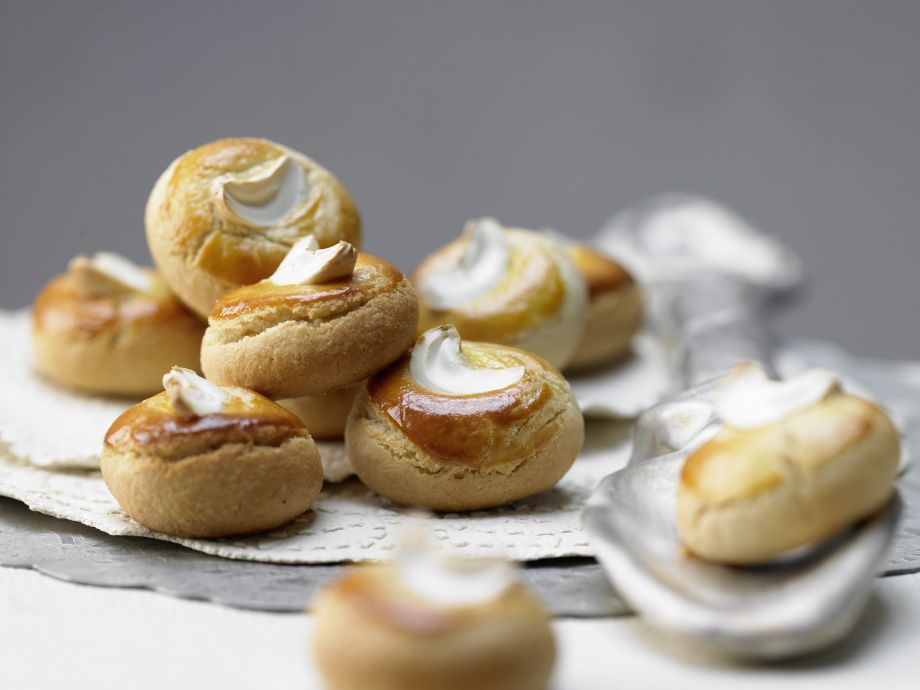 Cashew Cookies - Cashew Cookies - Warm cookies from the oven — just right when it's cold outside