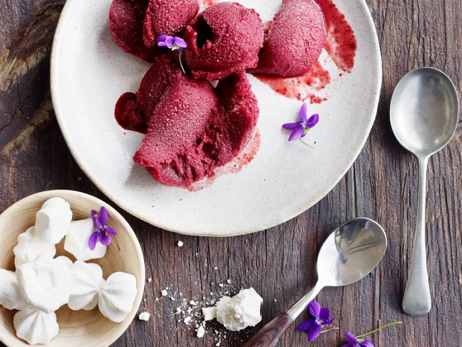 Cassis sorbet with champagne