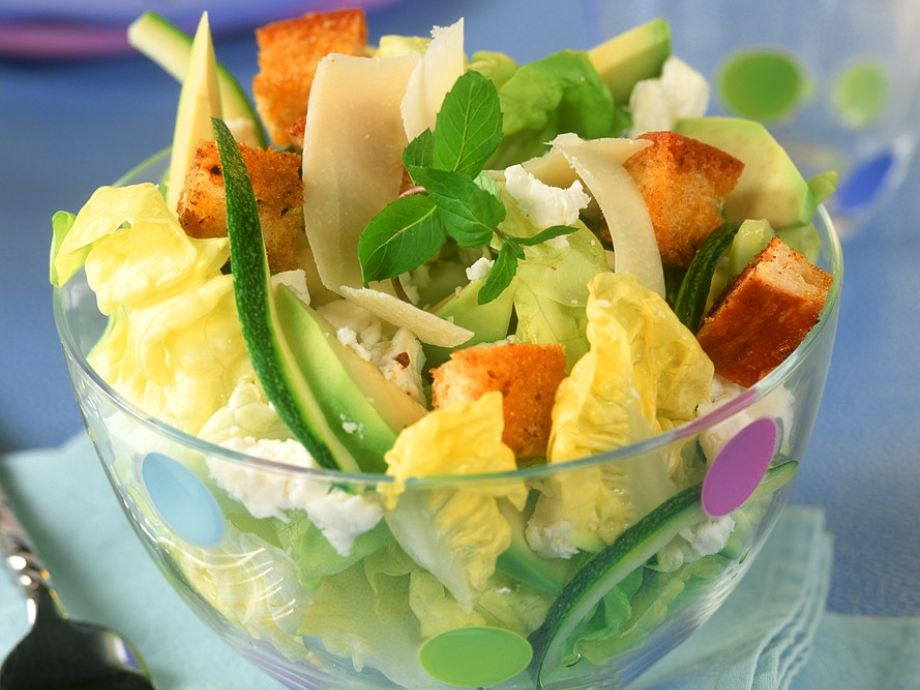 Cheese and Avocado Salad with Croutons