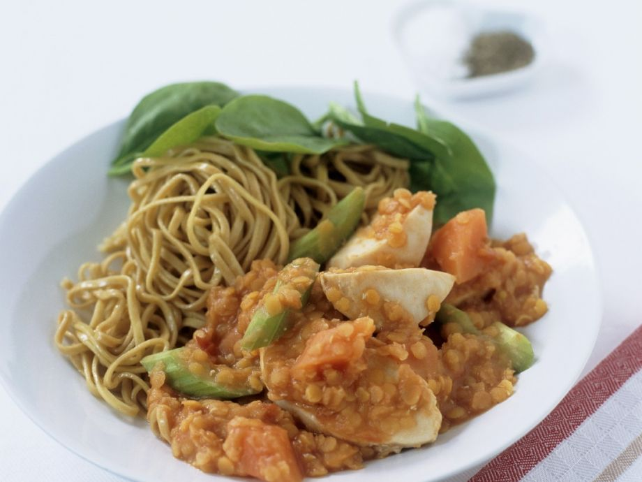 Chicken and lentils with noodles