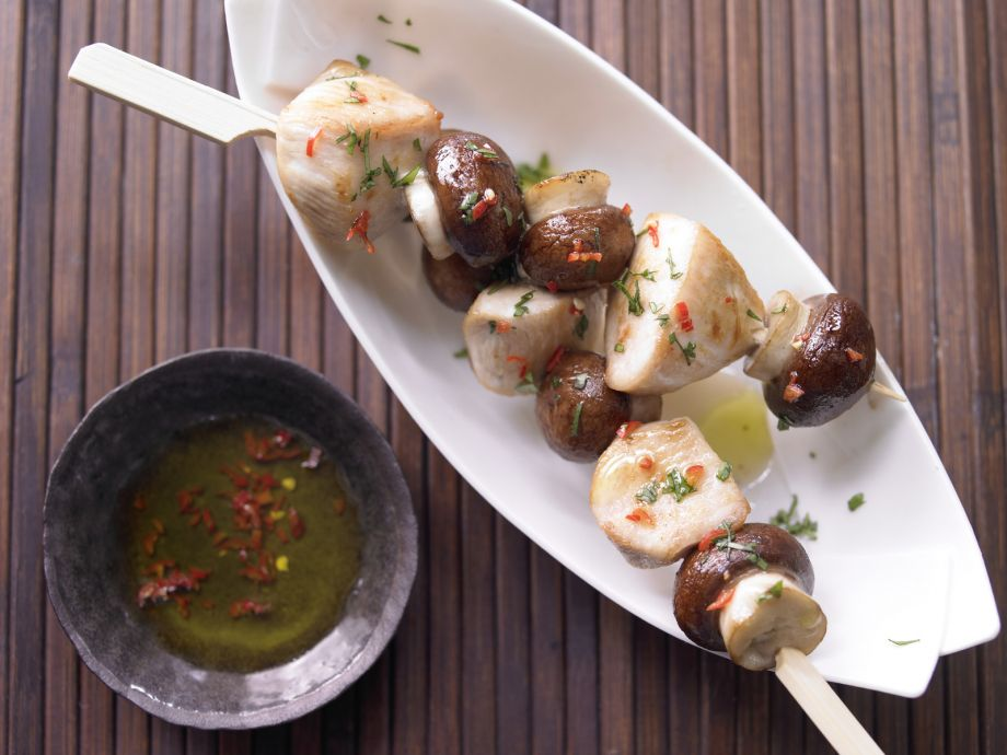 Chicken and Mushroom Skewers - Chicken and Mushroom Skewers - Little effort, big impact: Tasty chicken and mushrooms on skewers