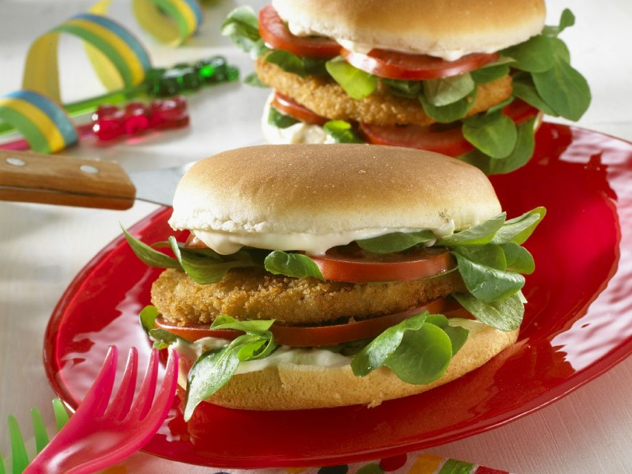 Chicken Burger with Arugula and Tomato