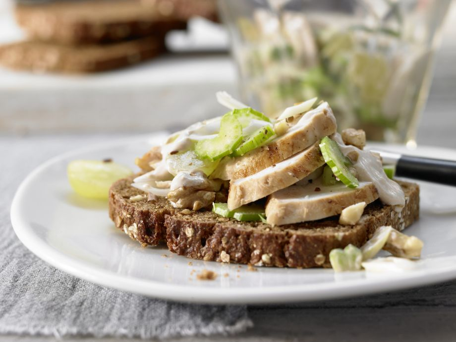Chicken Salad with Grapes - Chicken Salad with Grapes - This tasty salad with tender, juicy meat is a treat