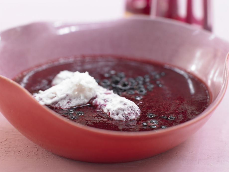 Cold Elderberry Soup - Cold Elderberry Soup - Simply gorgeous: Slightly tart fruit with a sweet topping