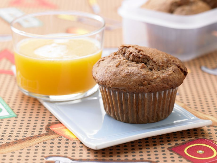 Chocolate Muffins with Oats - Chocolate Muffins with Oats - Honey and oats make these muffins better for you