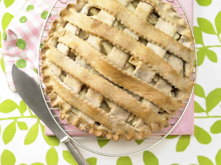 Classic American Apple Pie - Classic American Apple Pie - Fragant apple pie fresh from the oven