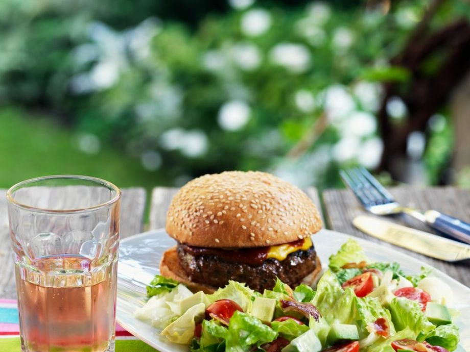 Classic burgers with bacon salad