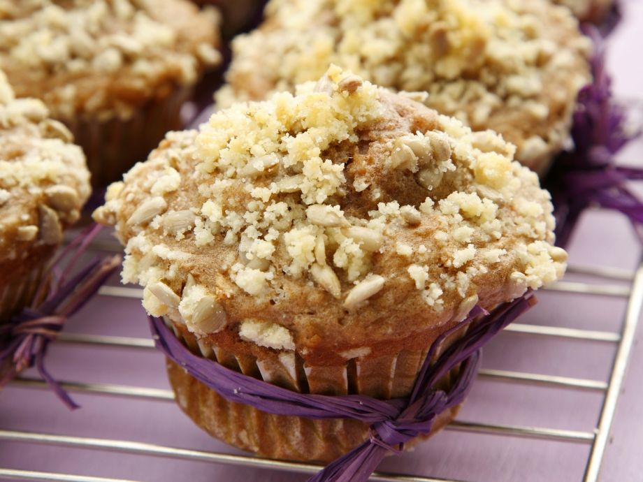 Crumble topped apple cakes