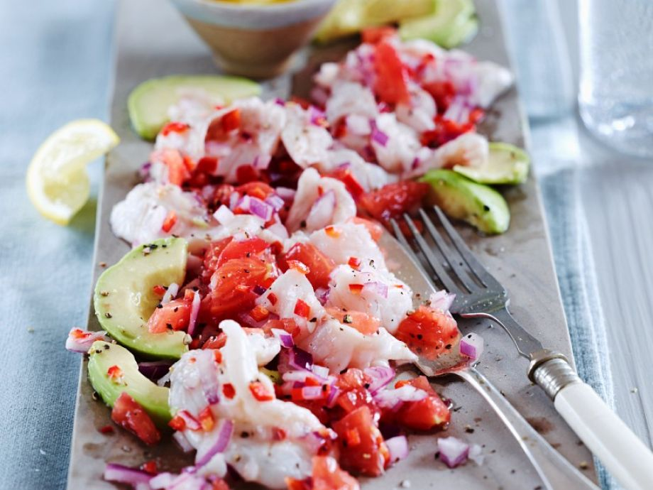 Dressed raw fish Platter
