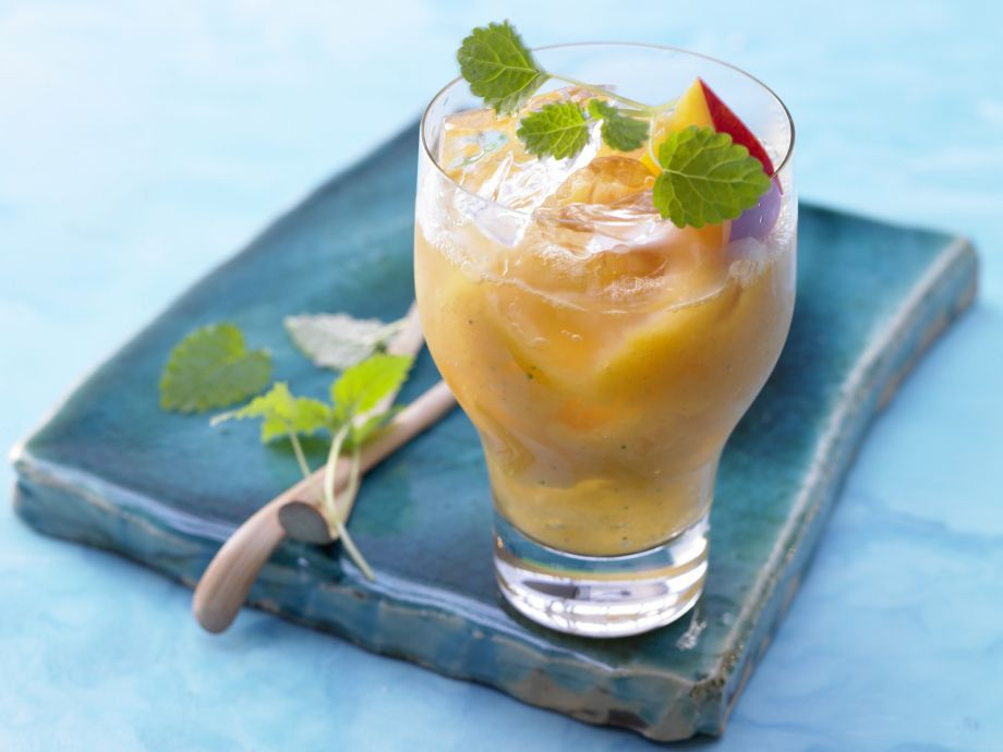 Exotic Smoothie - Exotic Smoothie - Drink like you're on vacation in the tropics—but without the alcohol!