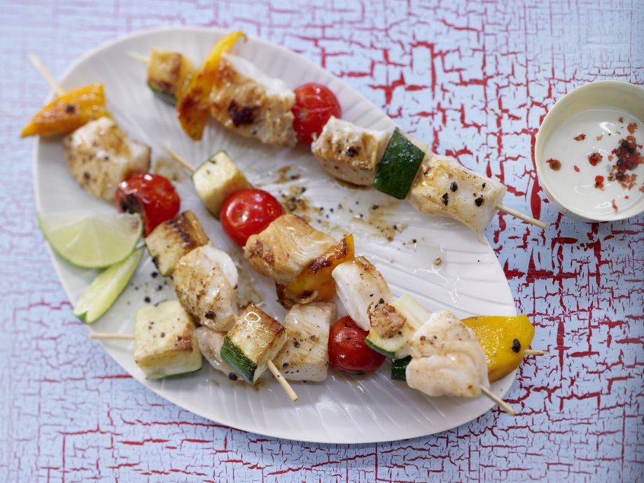Fish and Vegetable Skewers - Fish and Vegetable Skewers - Fish on skewers: Delicate, fruity and crispy