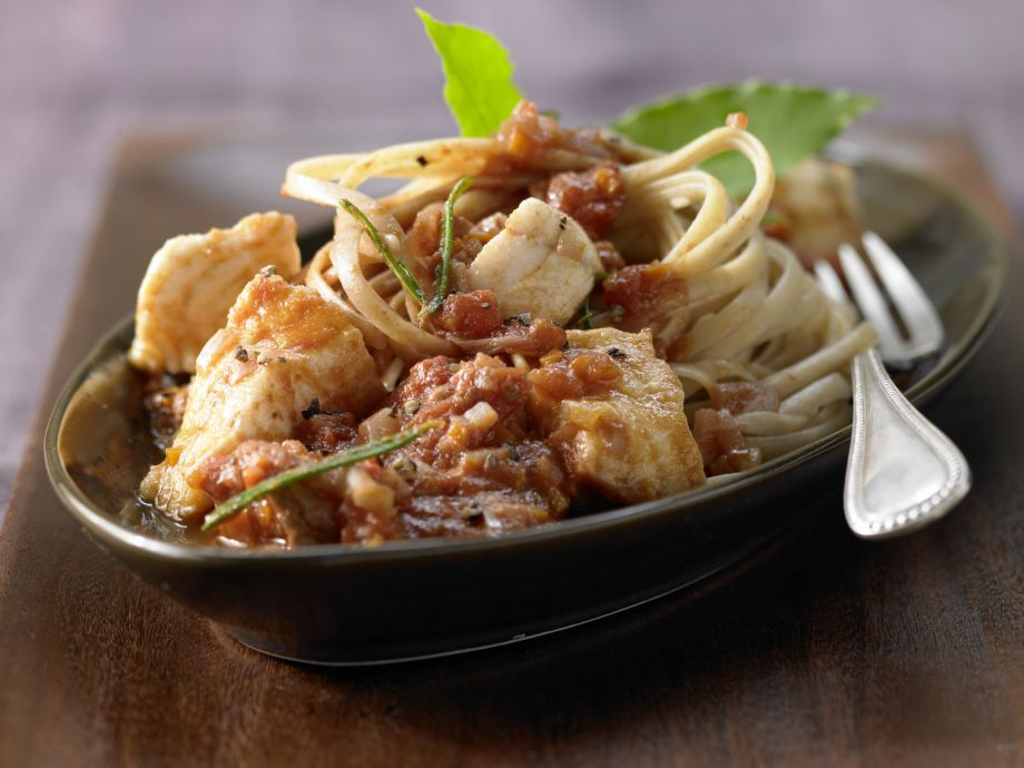 Fish Bolognese - Fish Bolognese - The classic in a new way: With flaky fish and crunchy celery