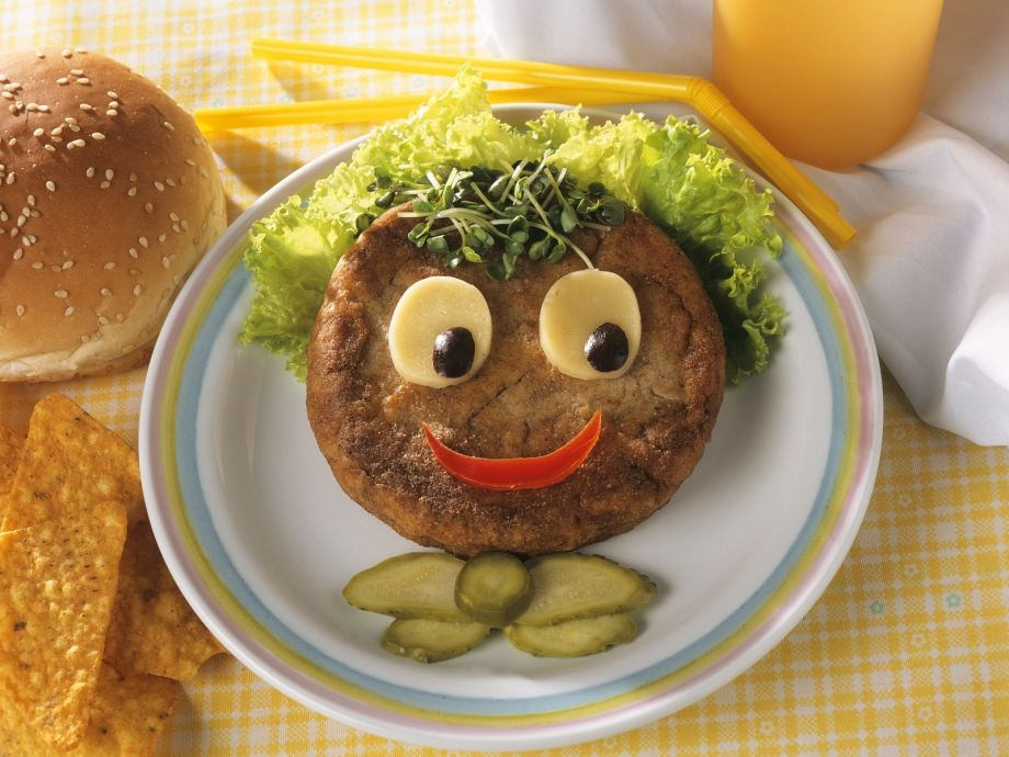 Funny Kids Hamburger - Funny Kids Hamburger - The kids will love this smiley face burger