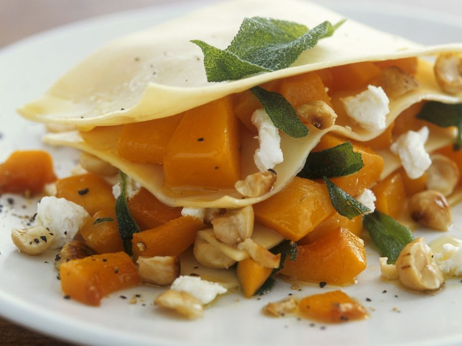 Gourmet Vegetarian Lasagne Recipe | EatSmarter