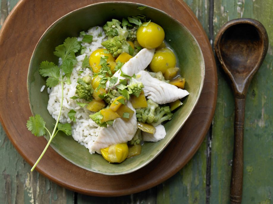 Green Fish Curry - Green Fish Curry - Mild fish in a spicy, rich coconut broth