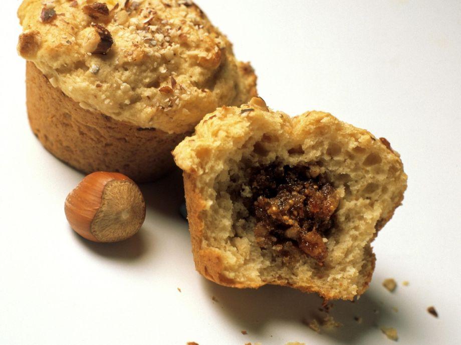 Hazelnut fig muffins