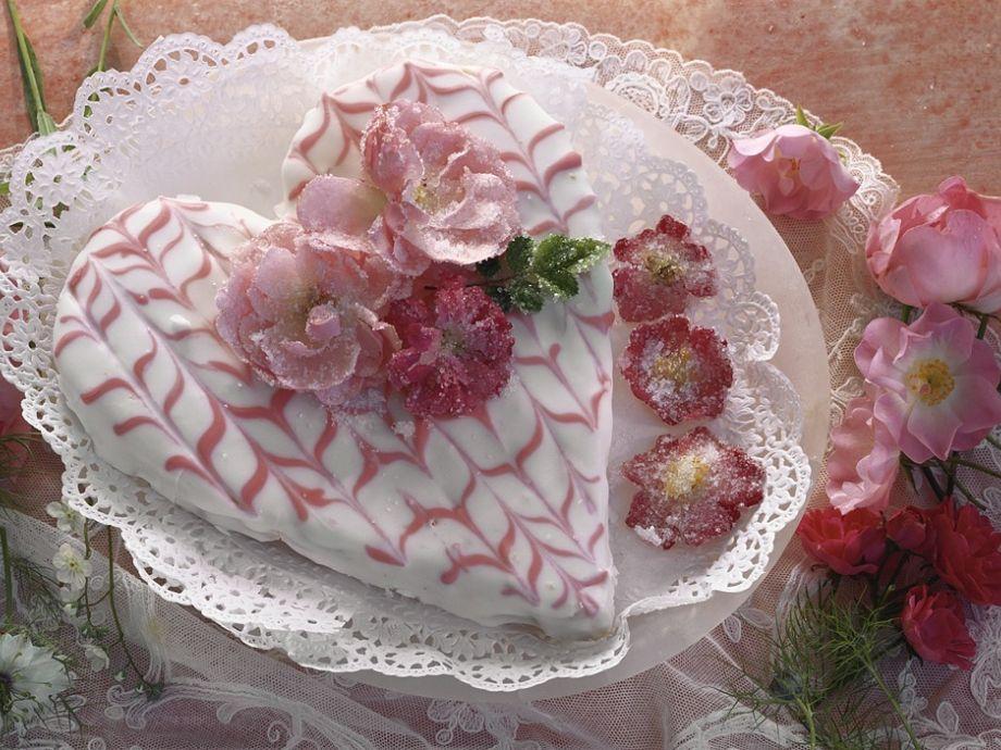 Heart Shaped Cake With Rose Decoration Recipe Eatsmarter