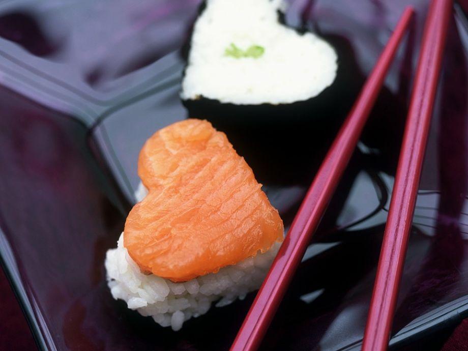 Romantic sushi pieces