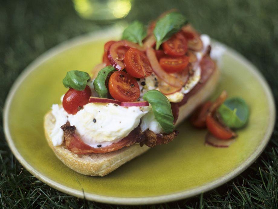 Italian mozzarella and bacon toasts