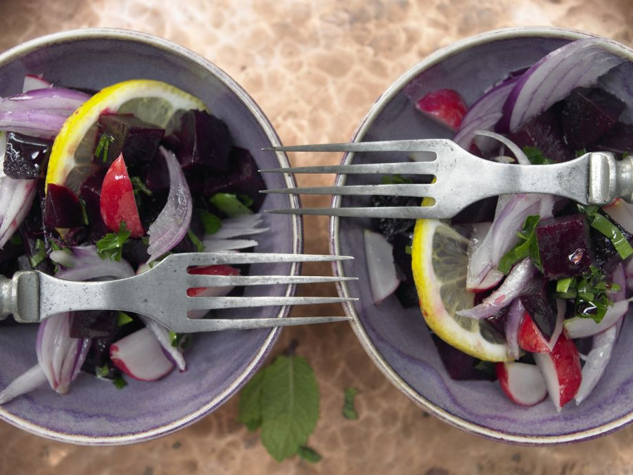 Lebanese Beet Salad - Lebanese Beet Salad - Colorful and spicy - a tasty vegetarian main course or starter salad with Mediterranean flavors