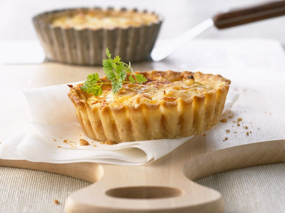 Diet-friendly egg and fish tartlets