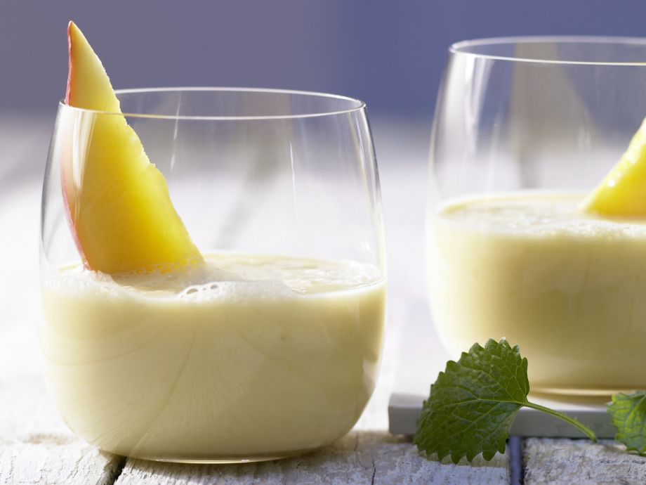 Mango and Banana Smoothie - Mango and Banana Smoothie - Fruity drink for a good morning