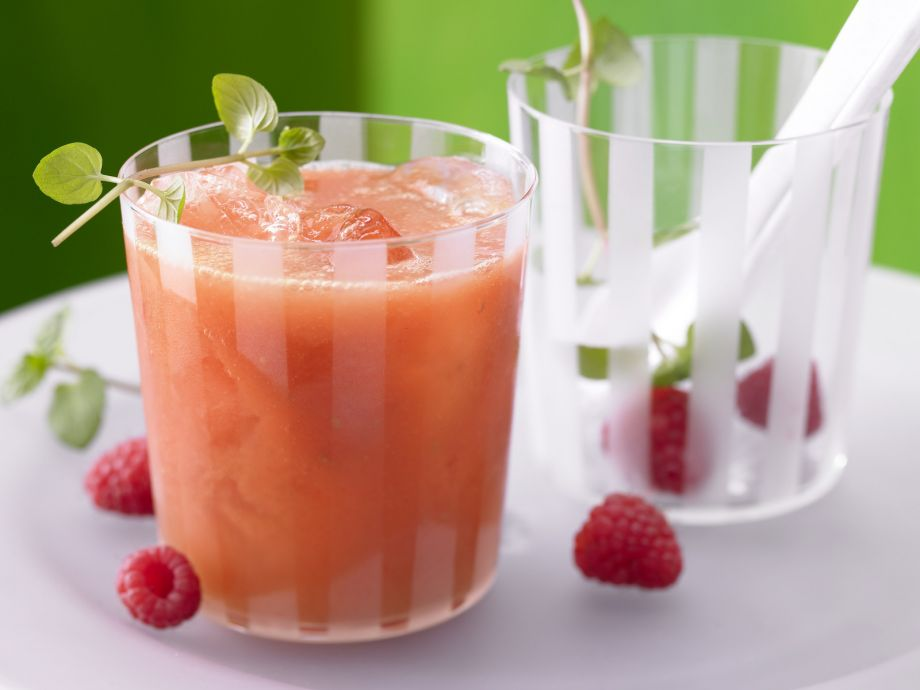 Mango-Raspberry Smoothie - Mango-Raspberry Smoothie - A power-smoothie that's full of fruity flavor