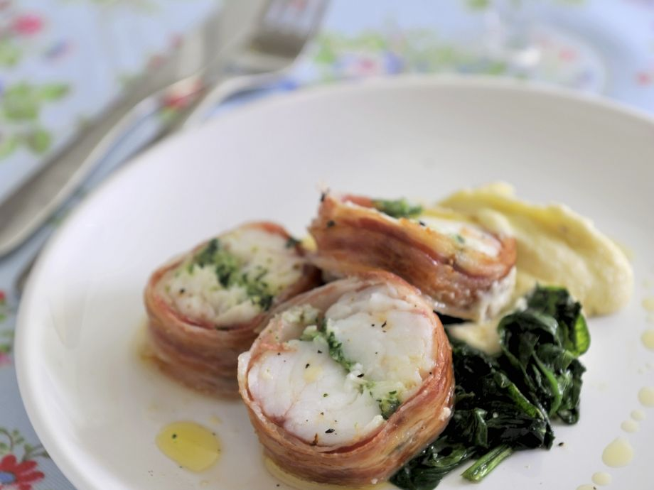 Monkfish tail with ham and spinach