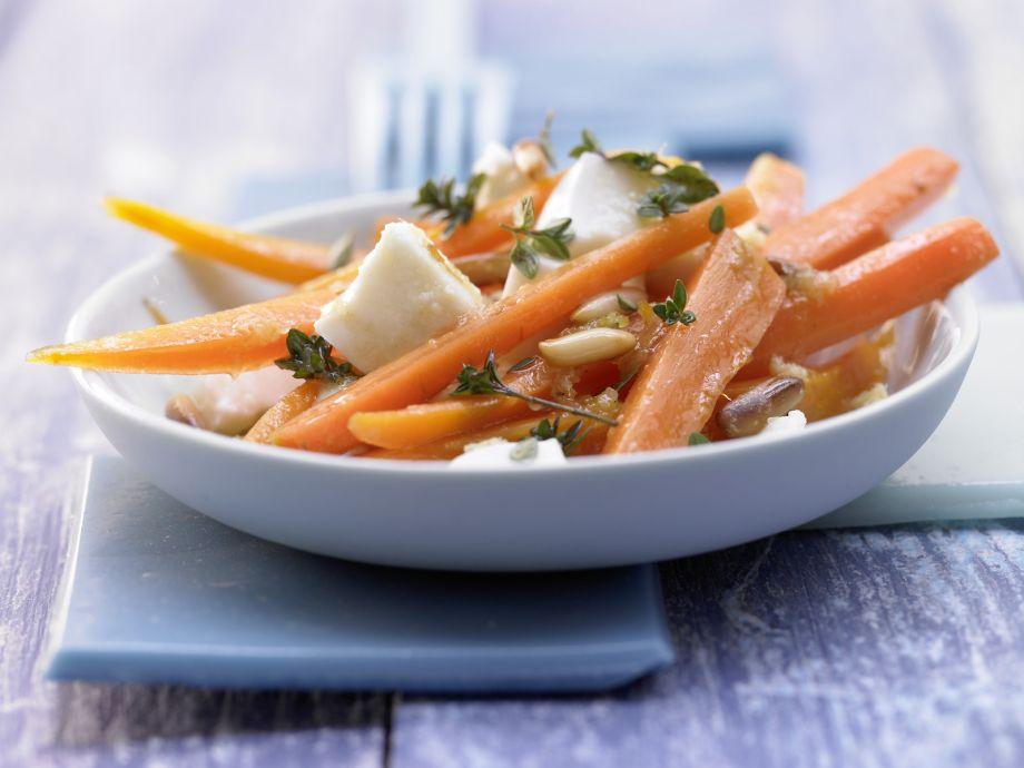 Mozzarella and Carrot Salad - Mozzarella and Carrot Salad - Crisp, refreshing salad with creamy mozzarella cheese